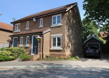 Kingslea, Horsham RH13. 2 bed semi-detached house