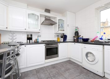 Thumbnail 4 bed flat to rent in Elizabeth Close, Canary Wharf
