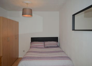 Thumbnail Room to rent in Lawrence Close, London