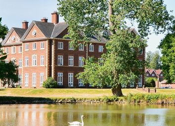 Warnham Manor, Ends Place, Byfleets Lane, Warnham RH12. 2 bed flat
