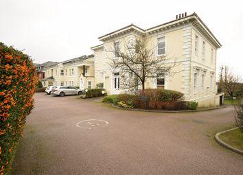 Parkview, 2 Trinity Close, Tunbridge Wells, Kent TN2. 2 bed flat for sale