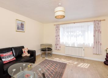 Thumbnail 2 bed flat to rent in Town Centre, Witney