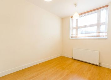 Thumbnail 2 bedroom flat to rent in High Street, Hornsey