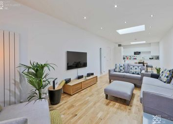 Thumbnail 2 bed flat to rent in Woolwich Magistrates Apartment, 1 Bathway, Woolwich