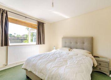 Thumbnail 2 bedroom flat to rent in Dolphin Close, Surbiton