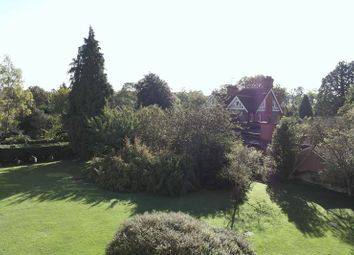 Thumbnail 2 bed flat to rent in Bath Road, Taplow, Maidenhead
