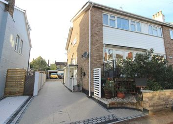 Thumbnail 1 bed flat to rent in Cliff Road, Leigh-On-Sea