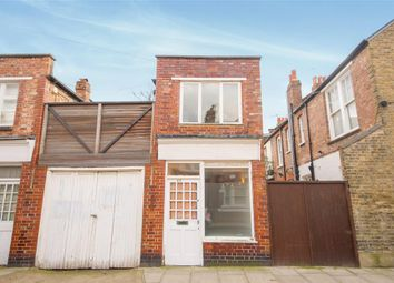 Thumbnail 2 bed link-detached house for sale in Willow Vale, London