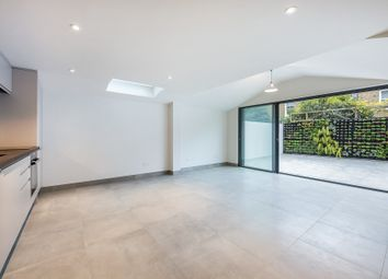 Thumbnail 2 bed flat to rent in Marney Road, Battersea, London