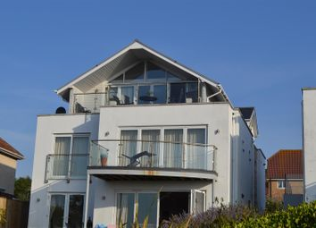Lloyd Terrace, Chickerell Road, Chickerell, Weymouth DT4. 3 bed flat