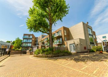 Thumbnail 3 bed flat for sale in Park Road, Crouch End