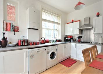 Thumbnail 2 bed flat to rent in Edgeley Road, Clapham