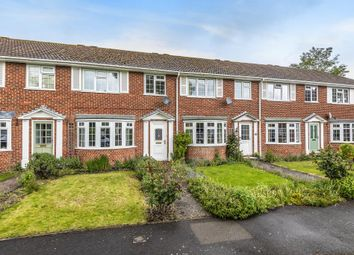 3 bed terraced house to rent in Meadow Close, Thatcham RG19
