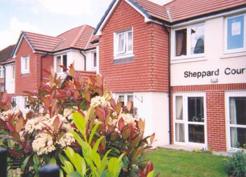 Thumbnail 1 bed flat for sale in Sheppard Court, Reading