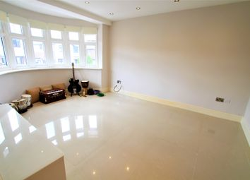 Thumbnail Room to rent in Dacre Gardens, Chigwell