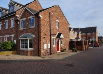 Thumbnail 3 bed town house for sale in Hazelwood, Barnsley