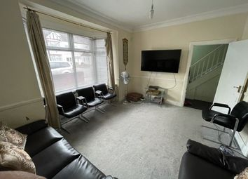 Thumbnail 3 bed detached house to rent in Quebec Road, Ilford