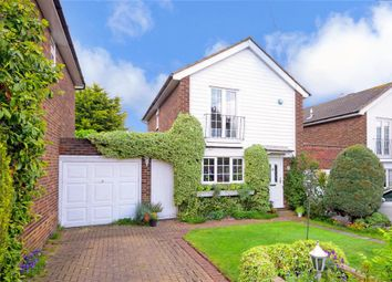 Thumbnail 3 bedroom detached house for sale in Alderton Rise, Loughton, Essex