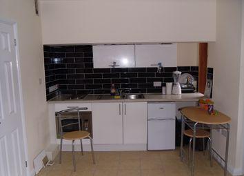 Thumbnail Studio to rent in Ashburnham Road, Luton