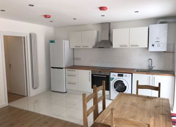 Thumbnail 2 bed flat to rent in Hill View Gardens, London