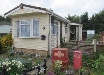 Thumbnail 2 bed mobile/park home for sale in Stirling Avenue, Grange Farm Estate, Upper Halliford, Shepperton, Surrey