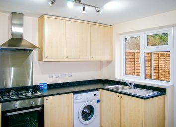 Thumbnail Room to rent in Denchers Plat, Crawley