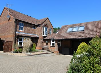Thumbnail 5 bed detached house to rent in Great Ellshams, Banstead