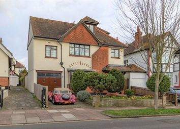 Parkside, Westcliff-On-Sea, Essex SS0. 5 bed detached house