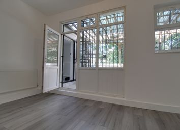Thumbnail 3 bed flat to rent in Lee High Road, Lewisham