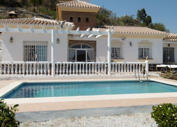 Thumbnail 3 bed villa for sale in Arenas, Axarquia, Andalusia, Spain