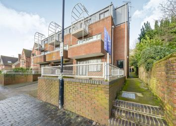Thumbnail 1 bed flat to rent in Chalfont Place, Upper Lattimore Road, St Albans
