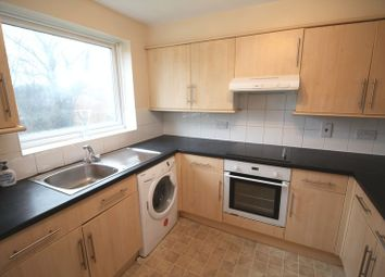 Thumbnail 2 bed flat to rent in Cleves Road, Hemel Hempstead