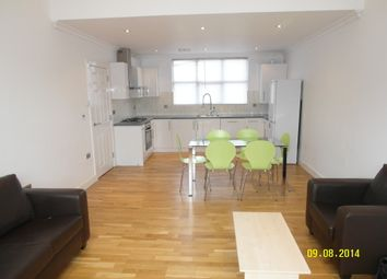 Thumbnail 3 bed flat to rent in Queens Row, London