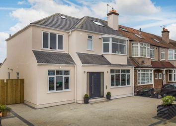 Thumbnail 6 bed property for sale in Greenway, London
