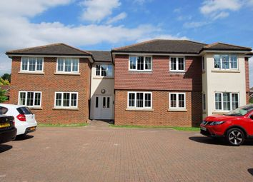 2 bed flat to rent in Tinsley Lane, Crawley RH10
