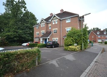 Oakhanger House, Kingsley Square, Fleet GU51. 2 bed flat