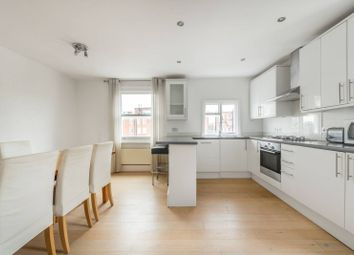 2 bed flat to rent in Pembridge Crescent, Notting Hill, London W11