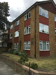 3 bed flat to rent in Elms Road, Islington SW4