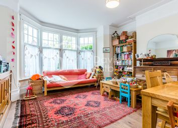 Thumbnail 2 bed flat to rent in Leaside Avenue, Muswell Hill, London