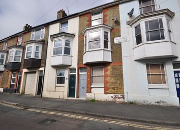 3 bed terraced house to rent in Granville Road, Cowes PO31