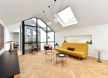 Bow Common Lane, London E3. 3 bed mews house for sale