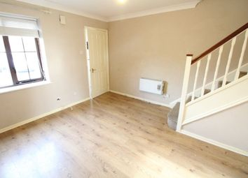 2 bed property to rent in Cromer Way, Luton LU2