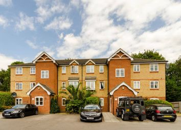 Thumbnail 2 bedroom flat to rent in Woodfield Road, Thames Ditton