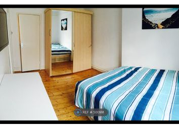 Thumbnail Room to rent in Scott 2, London