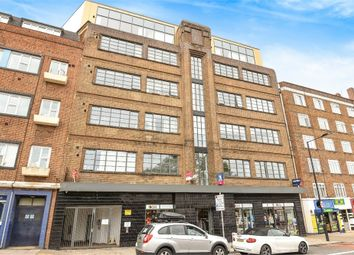Thumbnail 2 bedroom flat to rent in Leigham Court Road, London