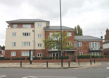 Thumbnail 3 bed flat to rent in Kings Avenue, Greenford