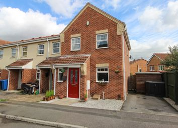 3 bed end terrace house for sale in Juniper Close, Hollingwood, Chesterfield S43