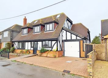 Abbotts Court Road, Hoo, Rochester ME3. 5 bed detached house for sale
