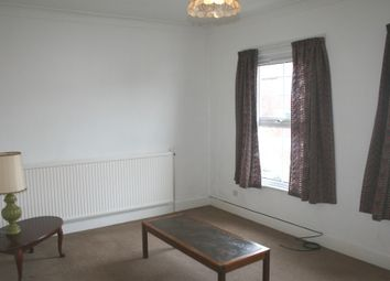 Thumbnail 3 bedroom flat to rent in Nightingale Road, Wood Green, London