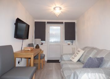 Thumbnail 1 bed flat to rent in Hoodcoates Gardens, Winchmore Hill